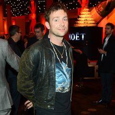 Entrevista: Damon Albarn fala sobre o futuro do Blur e planeja primeiro disco solo - http://rollingstone.uol.com.br/noticia/damon-albarn-fala-sobre-o-futuro-do-blur-e-seu-primeiro-disco-solo/ …