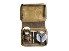 Men's Shaving Case Wet Shaving Toiletry Set by DivinaDenuevo