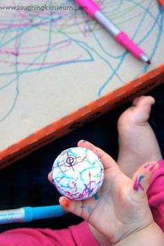 Decorating #golf balls as a great father's day activity and gift - #kidscraft #fathersday