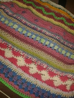 A blanket for a friend of my sister,  who is having a baby (as well as 4 other ongoing projects)