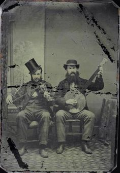 "Hats and beards, and a fiddle, and a banjo. Almost like a trio of musicians in the movie, ""Cold Mountain. Old Pictures, Old Photos, Vintage Photographs, Vintage Photos, Vintage Magazine, Street Musician, Best Guitar Players, Southern Gothic, Le Far West"