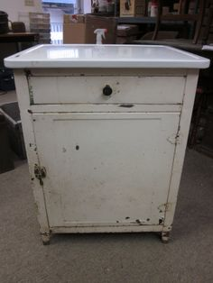 Merveilleux Old Metal Cabinets For Sale | The Seller Was Asking $224 For It! Itu0027s Very