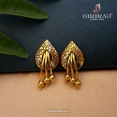 Panache Stud Earrings - Live Your Love For Gold With These Bud Shaped Gold Earrings. A Perfect Mix Of Modern And Traditional Design, It's Something You'll Treasure For Long. Indian Jewelry Earrings, Jewelry Design Earrings, Gold Earrings Designs, Antique Earrings, Designer Earrings, Stud Earrings, Gold Bangles Design, Gold Jewellery Design, Gold Set Design