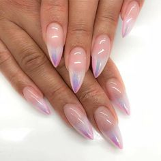 ombre Holo Ombre Nail Art is the latest 2019 Manicure trend that's taking over the web. Holo Ombre Nail Art is the latest 2019 Manicure trend that& taking over the web - Hike n Dip Gorgeous Nails, Pretty Nails, Acrylic Nail Designs, Nail Art Designs, Stiletto Nail Designs, Pointed Nail Designs, Clear Nail Designs, 3d Acrylic Nails, Nails Design