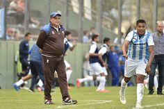 """A Juventud le cabe la frase """"esto es un cabaret"""": Los dirigentes despidieron al entrenador Salvador Ragusa, pero el DT dice que no se va y…"""