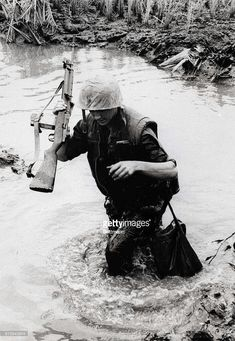 SOLDIER IN VIETNAM