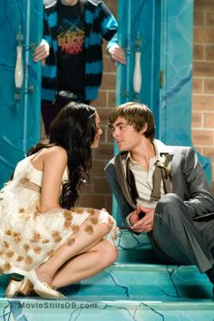 High School Musical Senior Year - Publicity still of Vanessa Hudgens & Zac Efron. The image measures 1996 * 3000 pixels and was added on 8 May High School Musical Costumes, High School Musical Quotes, High School Musical Cast, Gabriella High School Musical, Disney Couples, Cute Couples, Best Movie Couples, Wallpaper Series, Zac Efron High School