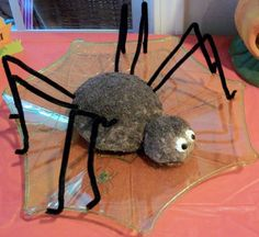 Spider Cheese Ball - Cute Idea for Spiderman Party (or even a Halloween party!).