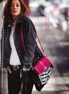 Domani magazine featured the #AmericanApparel Denim Jacket and Bull Denim Canvas Cities Bag, January 2013, Japan.  #media #Domani #magazine #Japan