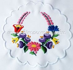 Embroidery Patterns, Hand Embroidery, Cross Stitch Patterns, Fabric Paint Designs, Vintage Jewelry Crafts, Hungarian Embroidery, Quilling Patterns, My Flower, Colorful Flowers