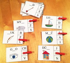 Výsledek obrázku pro kolíčkové karty Teaching, Games, Holiday Decor, Gaming, Education, Plays, Game, Toys, Onderwijs