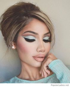 Light blue eye makeup inspire