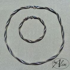 Conjunto de gargantilla y pulsera en plata de ley. Disponible en varios colores. #swalem #silver #gold #rose #jewel #joya #verano #julio