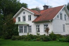 Living in Andyland: Lunch at Junibacken Big Houses, White Houses, Red Roof House, Scandinavian Cottage, Corner House, Nordic Home, Swedish House, Sims House, Farmhouse Design