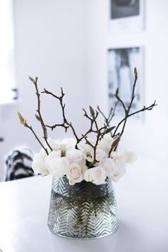Winter flower arrangement of white rose buds and budded branches Winter Flower Arrangements, Beautiful Flower Arrangements, Floral Arrangements, Winter Flowers, Flowers Nature, Beautiful Flowers, Winter Bouquet, Spring Bouquet, Wild Flowers