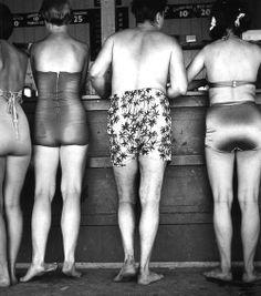 photos by yasuhiro ishimoto. japanese american post-war photographer.