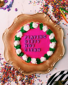 Yes, for real. You can now read Drake lyrics on beautiful cakes by Joy The Baker. Cute Cakes, Yummy Cakes, Drake Cake, Joy The Baker, Funny Cake, Love Cake, Something Sweet, Cake Creations, Let Them Eat Cake