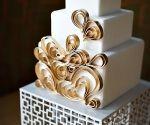 Gold heart cake