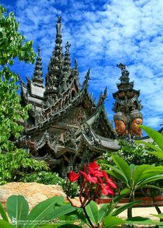 Sanctuary of Truth, Pattaya, Thailand http://islandinfokohsamui.com/