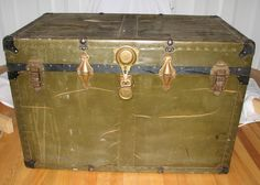 Large Green Trunk, Very Rustic Trunk ~ Vintage Trunk, Steamer Trunk, Antique Trunk, Big Trunk, Old  XL Trunk, Big Green Trunk, Huge Trunk - pinned by pin4etsy.com