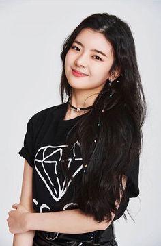 Lia in black Kpop Girl Groups, Korean Girl Groups, Kpop Girls, Kpop Outfits, New Girl, South Korean Girls, Girl Crushes, Asian Girl, Wattpad