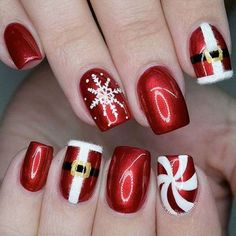 Christmas Nails – Festive Christmas Nail Designs for An outstanding Christmas nail art can h… Cute Christmas Nails, Christmas Nail Art Designs, Xmas Nails, Holiday Nails, Chistmas Nails, Holiday Acrylic Nails, Holiday Nail Colors, Christmas Manicure, Valentine Nails