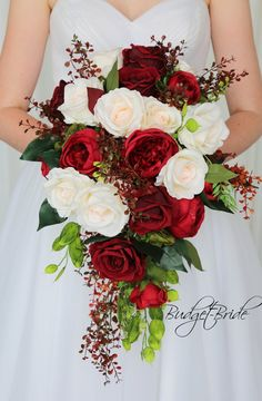 Spring Wedding Bouquets, Red Rose Bouquet, Fall Wedding Bouquets, Bride Bouquets, Flower Bouquet Wedding, Bridesmaid Bouquet, Bouquet Flowers, Bridal Bouquet Red, Christmas Wedding Flowers