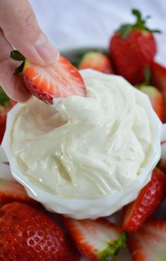 Marshmallow Fluff Fruit Dip - This easy dip recipe is made with 3 ingredients! Marshmallow Fluff, Cream Cheese and White Chocolate. An amazing dessert made in less than 5 minutes! #dessert wonkywonderful.com