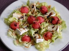 Monia miesza i gotuje: Sałatka z camembertem i arbuzem