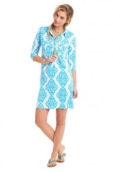 Shirt dress style with three-quarter sleeves. Falls above the knee. 90% Polyamide/10% Elasthane Machine wash cold, tumble dry low or dry clean.Exclusive Persifor print.