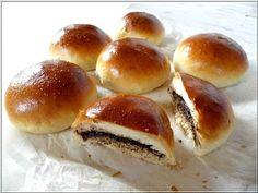 Mostanában kevesebbet sütök. A mindennapi kenyerünk az meg van, a kovászos is, meg a gluténmentes is, de péksüteményekr...