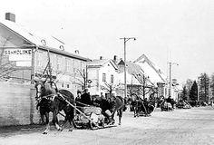 Siirtoväkeä Joensuun Siltakadulla 13.3.1940