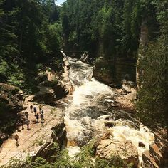 This Incredible Canyon Just Across The Border From Ontario Is Worth The Road Trip - Narcity Canada Travel, Travel Usa, Ontario Travel, Toronto, Winter Camping, Diy Camping, Outdoor Camping, Across The Border, Travel Inspiration