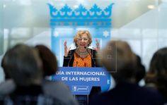 """La alcaldesa de Madrid, Manuela Carmena, ha pedido hoy diferenciar entre la constitución de un Gobierno, donde puede haber una """"dificultad objetiva"""" entre Podemos y Ciudadanos, y las """"alianzas de inve"""
