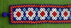 Mexican Huichol peyote flower bracelet van Aramara op Etsy