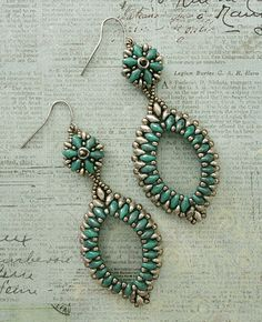 Seed bead jewelry Pendientes Gota con Superduo – Turquoise & Pewter ~ Seed Bead Tutorials Discovred by : Linda Linebaugh Bead Jewellery, Seed Bead Jewelry, Seed Bead Earrings, Seed Beads, Hoop Earrings, Wire Jewelry, Leaf Earrings, Beaded Necklace, Collar Necklace