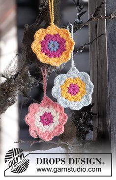 "Easter in Bloom by DROPS Design DROPS Pääsiäinen: Virkatut DROPS kukat ""Safran""-langasta."