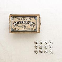 Paper Binders   Made in England   cocon_fuf instagram 一目惚れ文具 ビスケット形の割りピンには ひとつひとつ刻印があります 厚みのある書類も無理なく綴じれるLサイズ 小分けて販売してますー