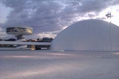Obra de Niemeyer en Avilés.