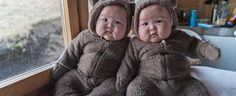 Adorable Preemie Twin Girls Playfully Pose for Creative Portraits - My Modern Met So Cute Baby, Cute Kids, Cute Babies, Twins Girls, Momo Twins, Baby Twins, Asian Babies, Korean Babies, Asian Kids