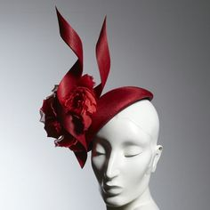 Red Flower Beret from Philip Treacy London Millinery Hats, Fascinator Hats, Fascinators, Girls Of The Wilds, Philip Treacy Hats, Race Wear, Races Fashion, Fashion Hats, Fancy Hats