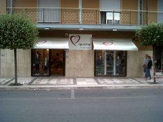 Negozio di abbigliamento bambini in via Nazionale, 91-93 a Rossano Calabro (CS)  www.quorestore.it #retail #franchising #abbigliamento #luxury
