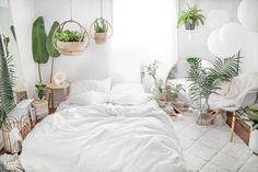 Outstanding boho bedroom are offered on our internet site. look at this and you wont be sorry you did. Home Bedroom, Room Decor Bedroom, Bedrooms, White Room Decor, All White Room, Deco Studio, Boho Room, Small Apartment Decorating, Aesthetic Room Decor