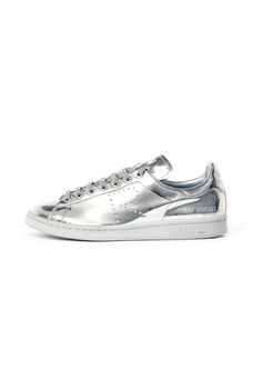 Raf Simons Redesigns the Stan Smith for Spring 2016... I want this <3