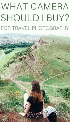 What camera should I buy for travel photography! Tips, tricks and practical advice for purchasing a travel camera. Hiking Photography, Photography Guide, World Photography, Adventure Photography, Packing Tips For Travel, Travel Advice, Travel Hacks, Europe Packing, Packing Lists