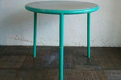 ・Fritz Hansenラウンドテーブル ¥32,400(taxin) size:Φ70H70cm