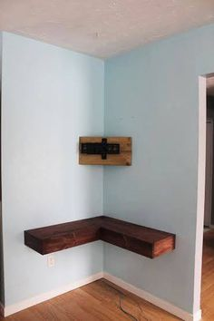 Projet de fin de semaine Did you ever look at your Tv & surround set up and think it was hideous? If the answer is yes, this DIY project is just right for you! Lately my husba - Mobilier de Salon