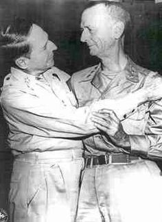 General Douglas MacArthur (left) greets a gaunt General Jonathan Wainwright after liberation from Manchurian POW camp, Medal Of Honor Winners, Medal Of Honor Recipients, Bataan Death March, Douglas Macarthur, Navy Marine, United States Army, American War, American Revolution, World War Ii