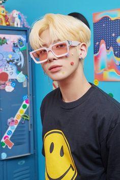 K Pop, Chica Cool, Indie, Blue Hour, The Dream, Kpop Boy, K Idols, South Korean Boy Band, Photo Cards