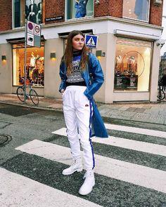 Emily Ratajkowski Wears Nike Air Max Sneakers, Coat for Dog